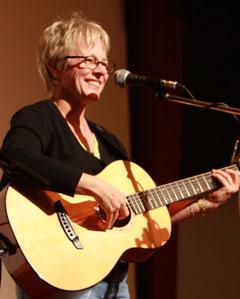 Sat-Feb26-Folkworksbenefit-Tracy-Newman