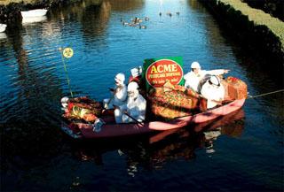 VeniceCAnals-BarbarandJohn-XmasBoatparade